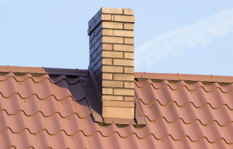 Schoorsteenveger, schoorsteen reparatie of schoorstenen schoonmaken in Den Haag en omgeving door Haagsche Dakwerken