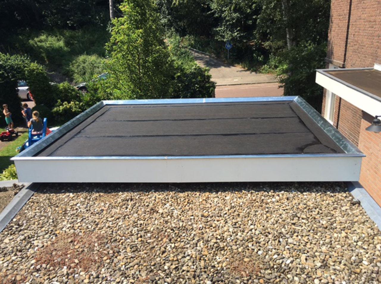 Gehele dak van een schuurtje vervangen