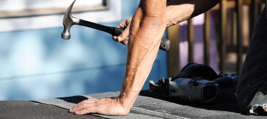 Werkzaamheden aan uw dak, daken snel weer gerepareerd